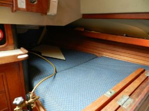 C&C Landfall 39 Captain's Quarterberth