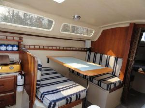 Catalina 25 Salon with Dinette Interior, Acordian Door To Head