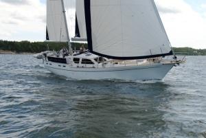 Nauticat 525 Looks Like the Columbia 45