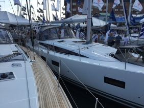 Jeanneau 57 Port Side Deck