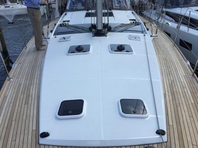Jeanneau 57 Deck