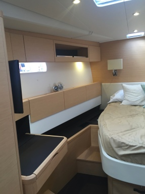 Jeanneau 57 Forward Owner's Stateroom