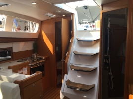 Jeanneau Sun Odyssey 44DS Main Salon, View Aft to Staroard