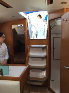 Jeanneau Sun Odyssey 389 Companionway