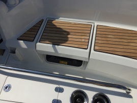 Jeanneau Sun Odyssey 349 Cockpit Seats, Hatches Beneath